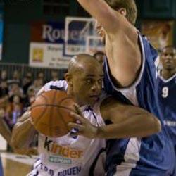 spostamento nella pallacanestro
